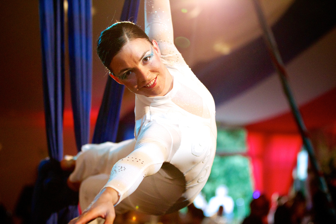 naomi giffen, corporate entertainment, zu, zu aerial, silk artist, trapeze artist, bbc